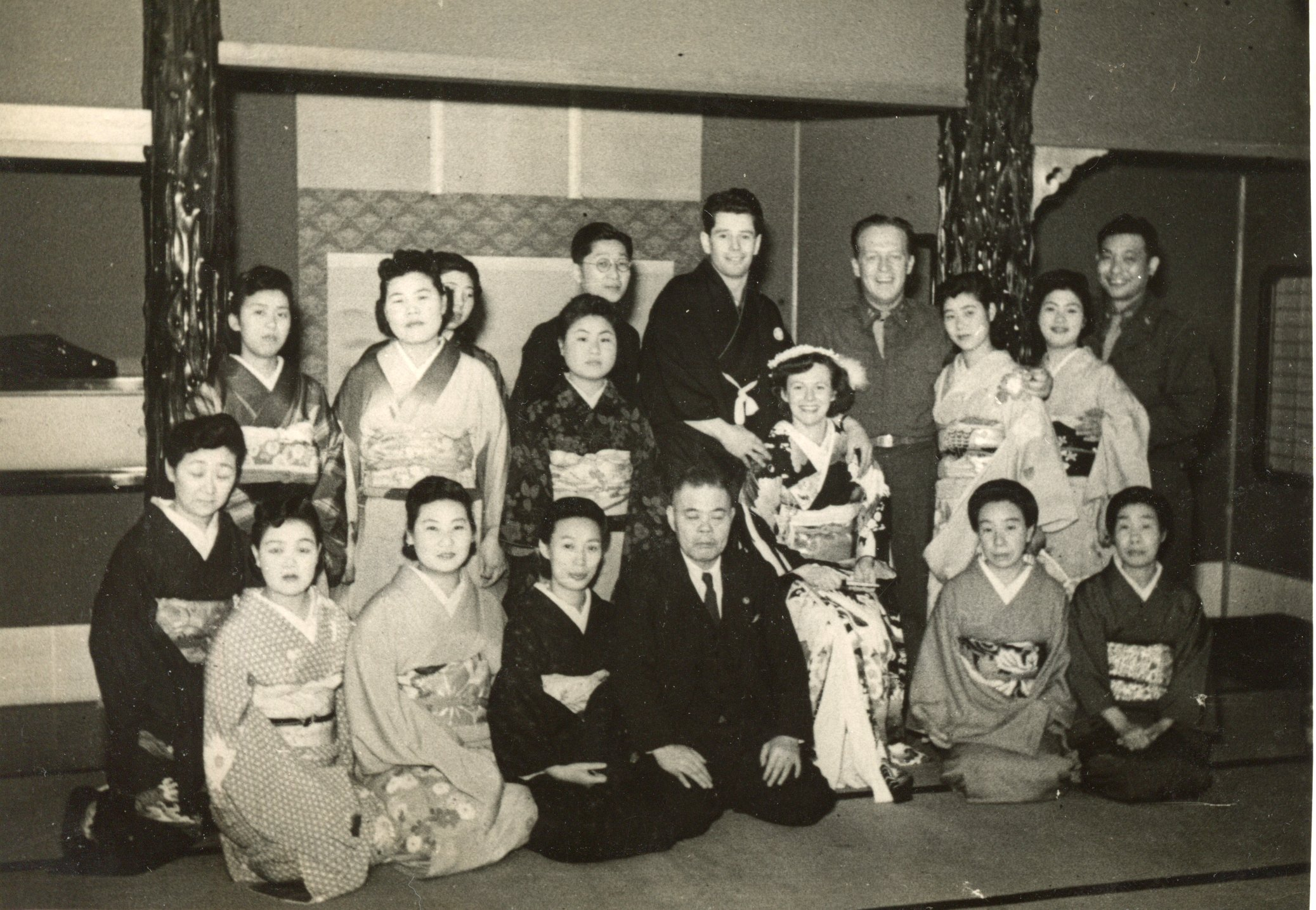 American Army officers marry in a traditional Japanese style wedding