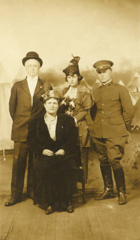 Thomas Owen with Parents and First Wife, ca. 1918.jpg