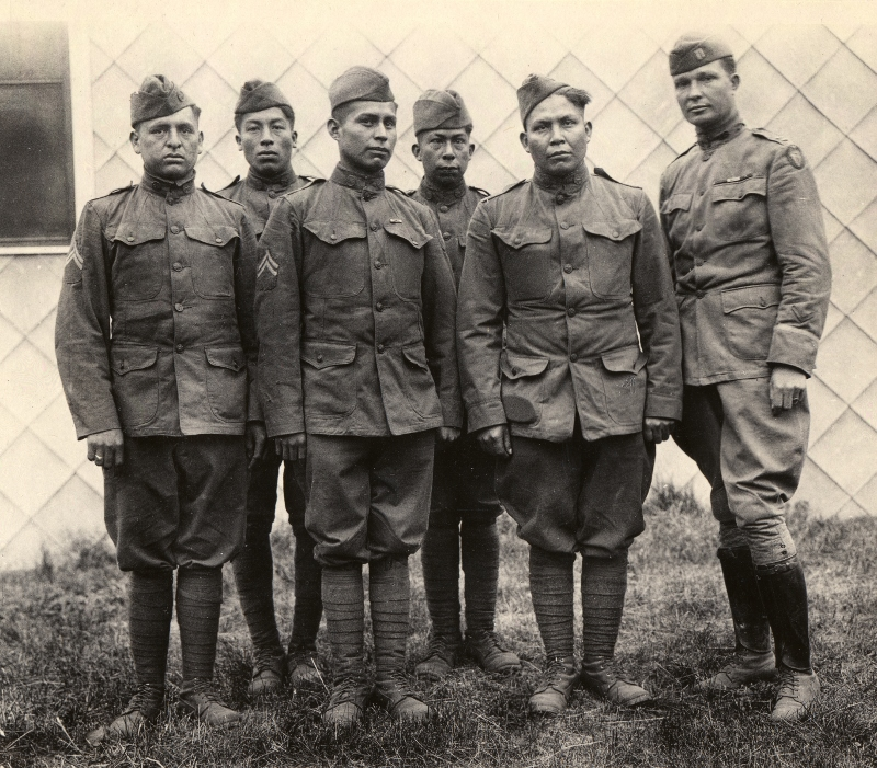 hith-wwi-native-american-code-talkers-choctaw_code_talkers-800x701.jpg